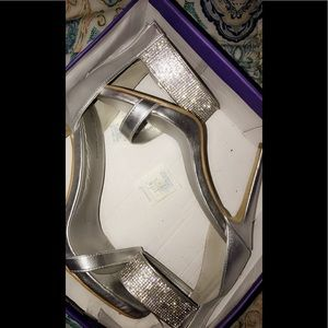 Diamond metallic 6 inch heel